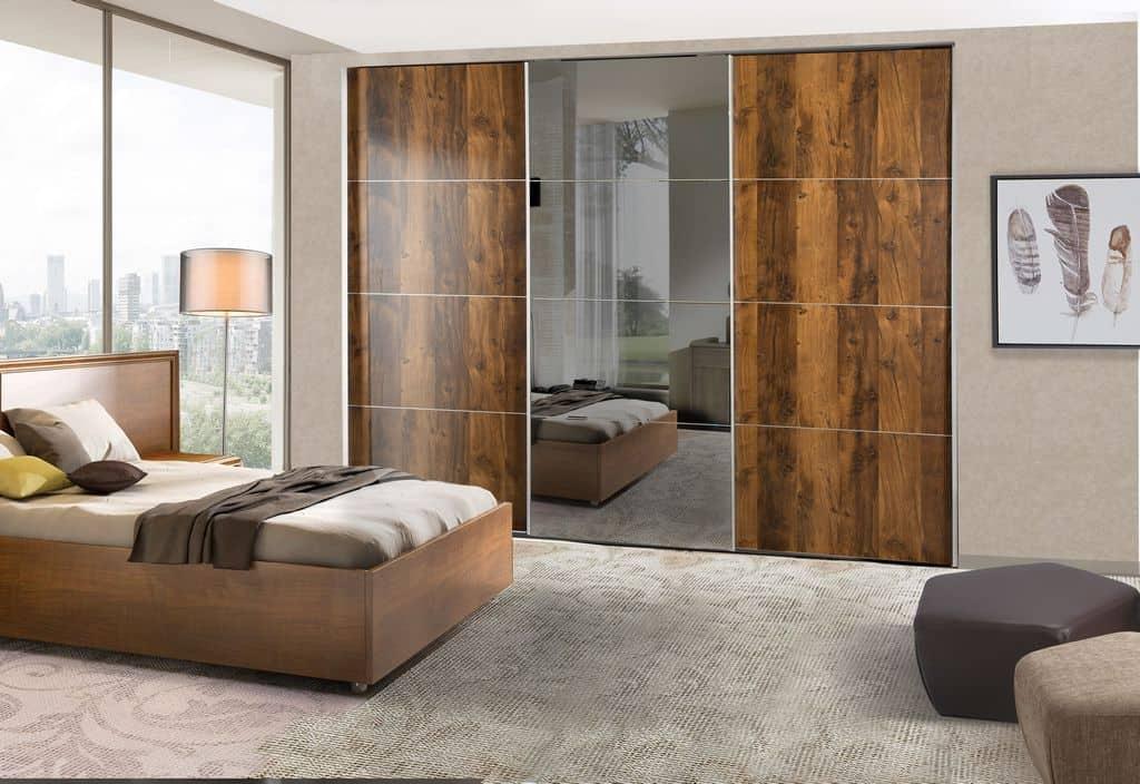 ארון הזזה דגם Wood Style 3 בעיצוב עץ טבעי המשלב מראה