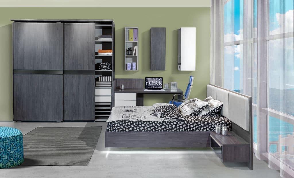 ארון הזזה דגם Wood Style עם 2 דלתות בעל עיצוב כהה - דלתות פתוחות