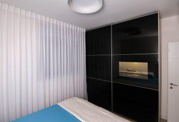 ארון טלוויזיה שחור