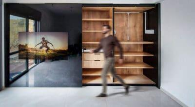ארון טלוויזיה בחדר שינה